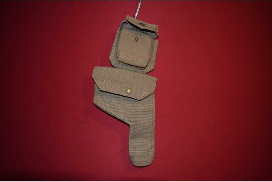 WW2 BRITISH / AUSTRALIAN PISTOL HOLSTER AND AMMO POUCH-SOLD