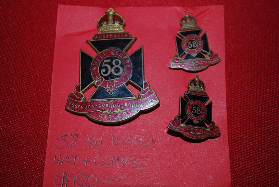 AUSTRALIAN  58 BN HAT AND COLLAR BADGES