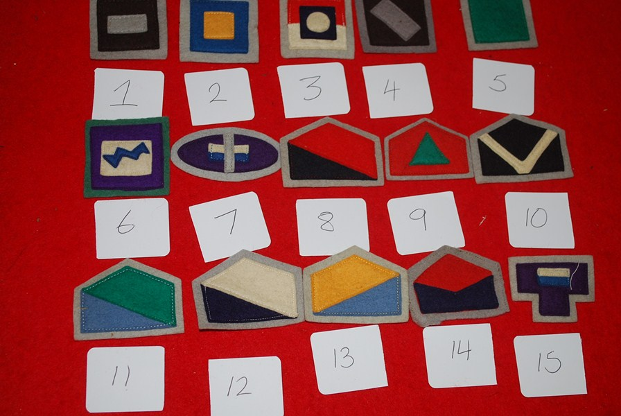 WW2 AUSTRALIAN COLOUR PATCHES TRAY 6
