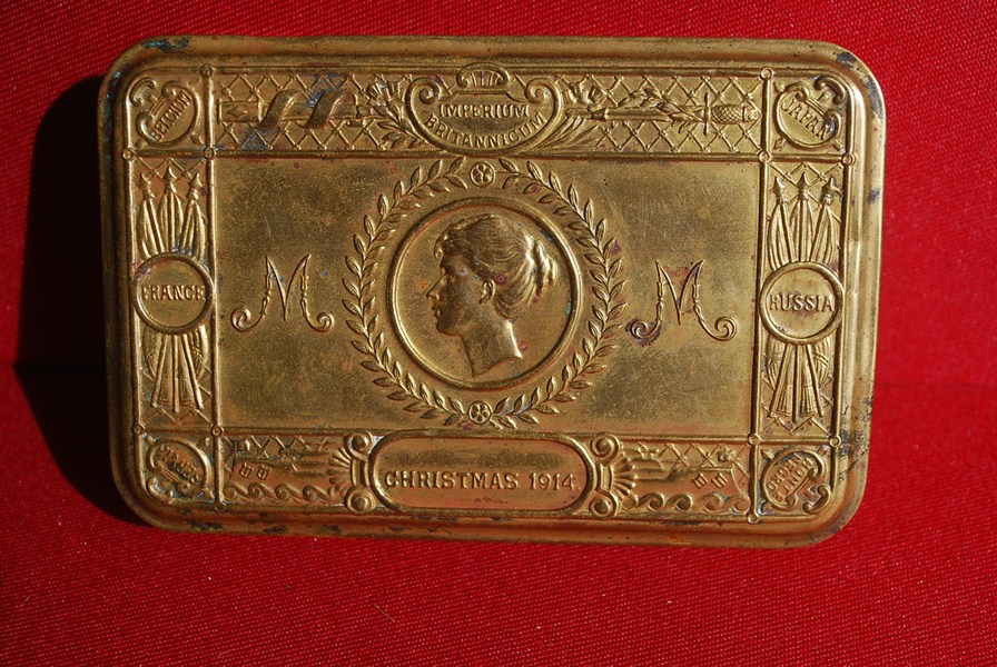 WW1 QUEEN MARY TIN b - SOLD