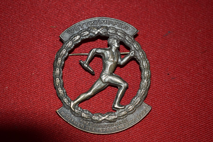 WW2 GERMAN INTERNATIONAL SPORTS WEEK BADGE 1939