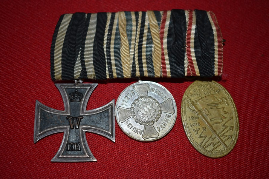 WW1 GERMAN 3 MEDAL GROUP. b