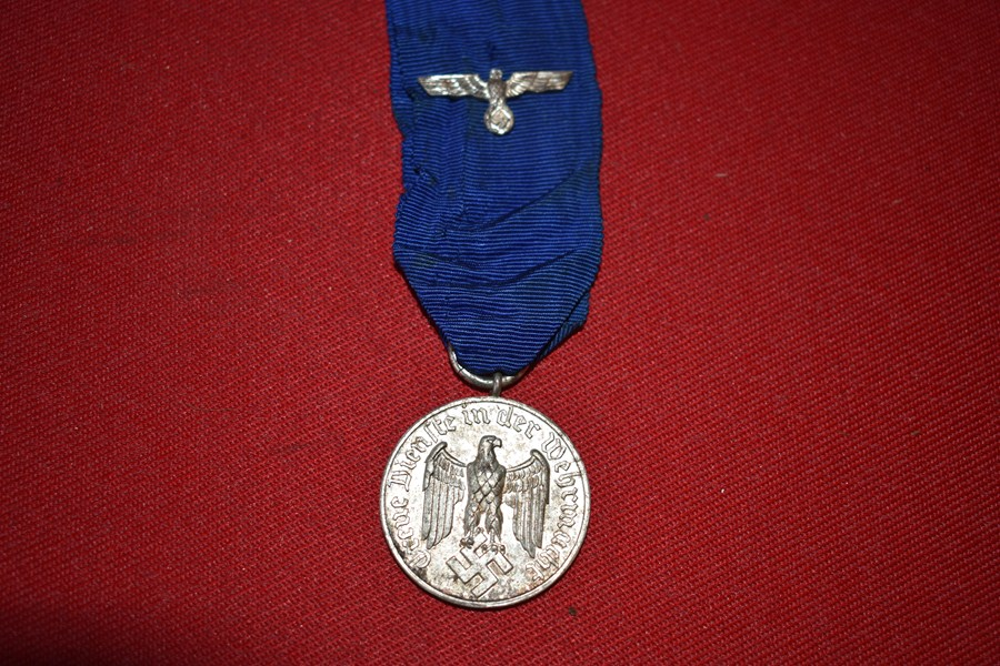 WW2 GERMAN ARMY 4 YEAR LONG SERVICE MEDAL AND RIBBON