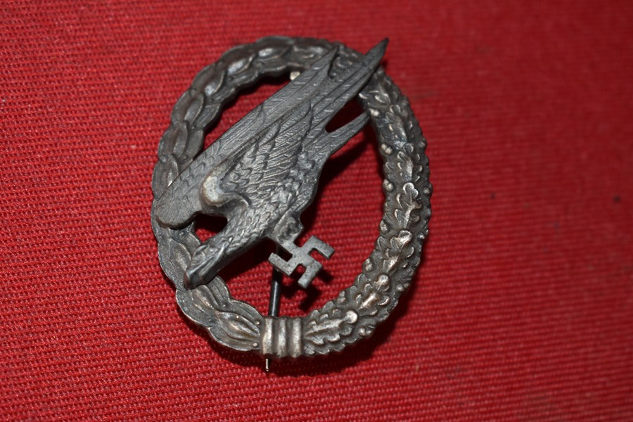 WW2 GERMAN LUFTWAFFE PARATROOPERS BADGE