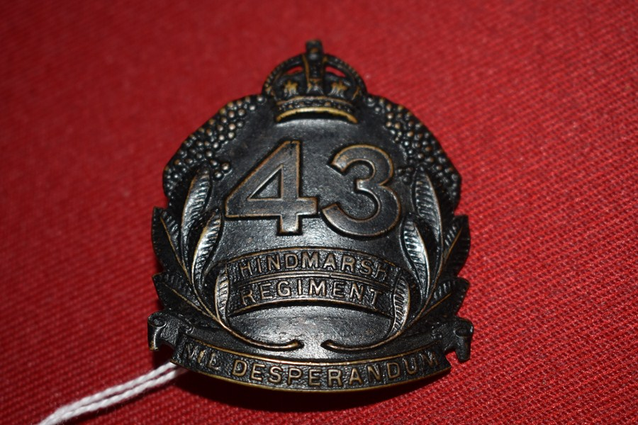 AUSTRALIAN ARMY HAT BADGE. 43 BN HINDMARSH REGIMENT. 30-42