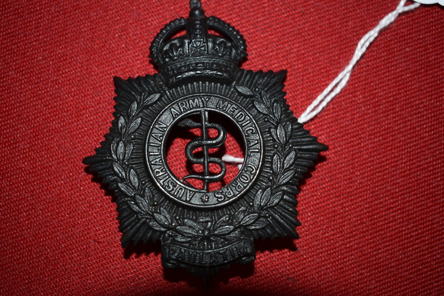 AUSTRALIAN ARMY HAT BADGE. MEDICAL CORPS. 30-42..