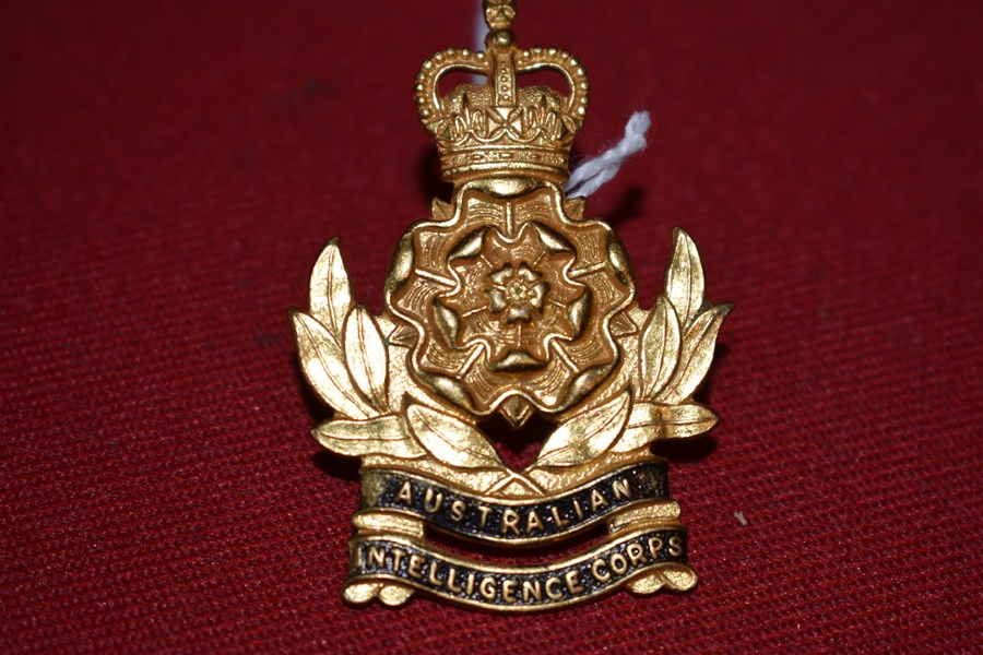 AUSTRALIAN ARMY HAT BADGE. INTELLIGENCE CORPS. 53-60