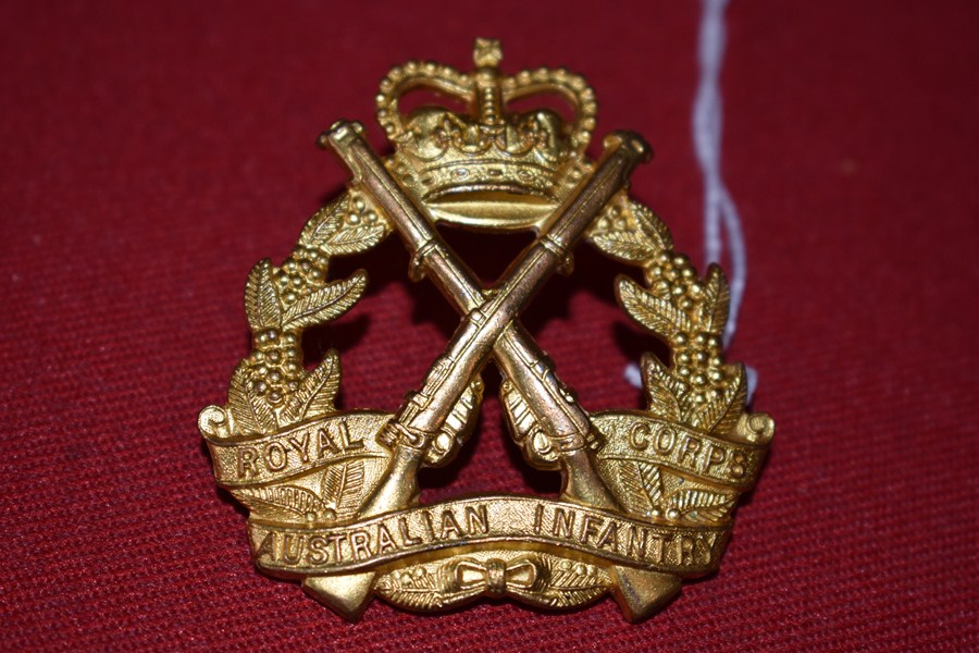 AUSTRALIAN ARMY HAT BADGE. INFANTRY CORPS. 53-60-SOLD