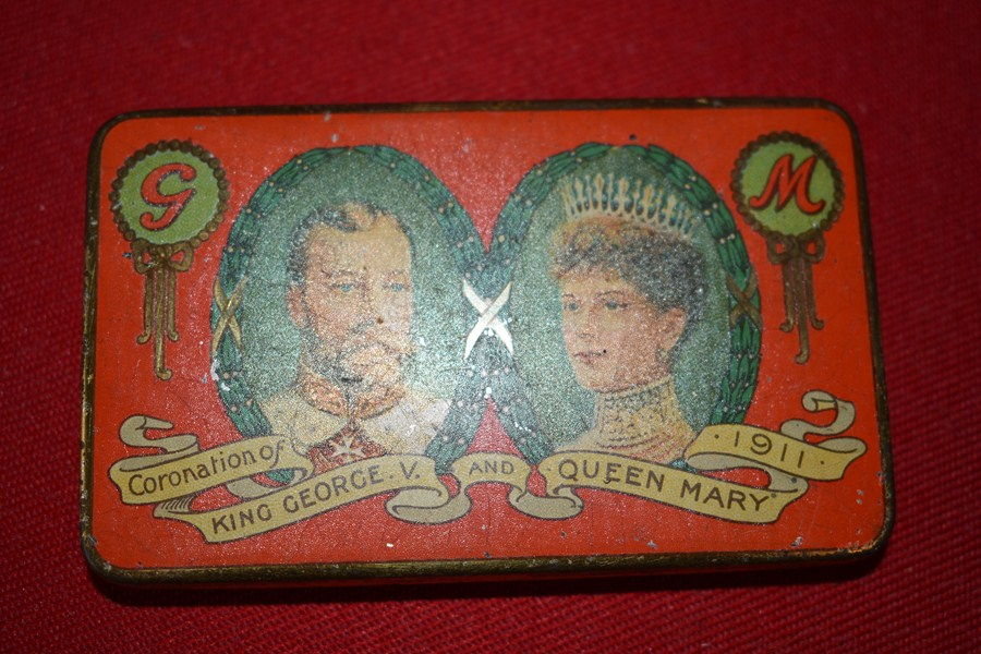 CORONATION TIN KING GEORGE V AND QUEEN MARY-SOLD