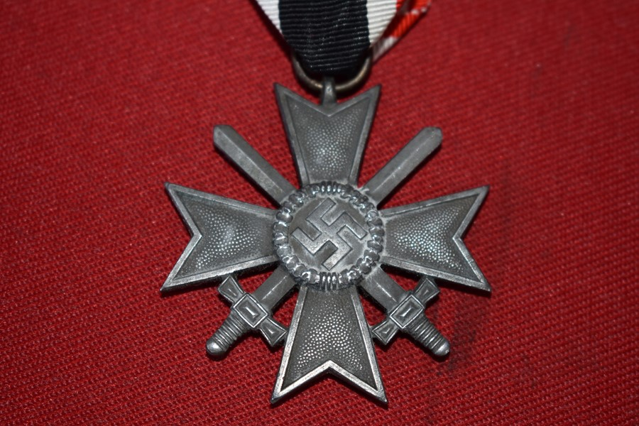 WW2 GERMAN WAR MERIT CROSS IN SILVER WITH SWORDS