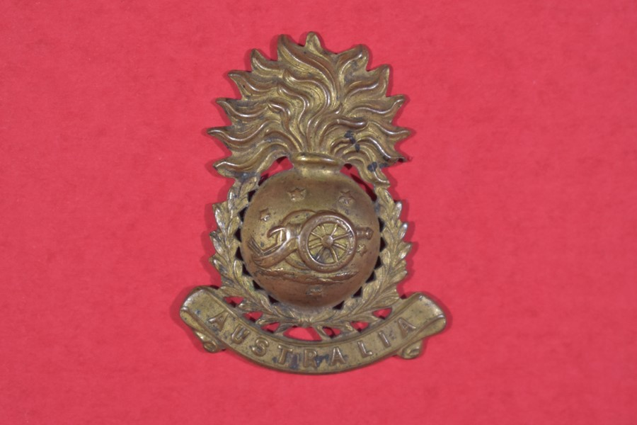 AUSTRALIAN FIELD ARTILLERY SINGLE COLLAR BADGE 1900-1912