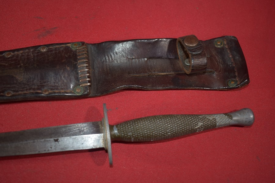 WW2 US MARINE RAIDER STILETTO, CANADIAN ISSUE
