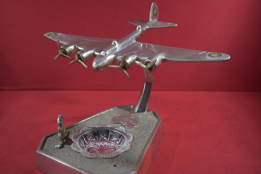 WW2 ERA TRENCH ART AUSTRALIAN/US BOMBER ASHTRAY..
