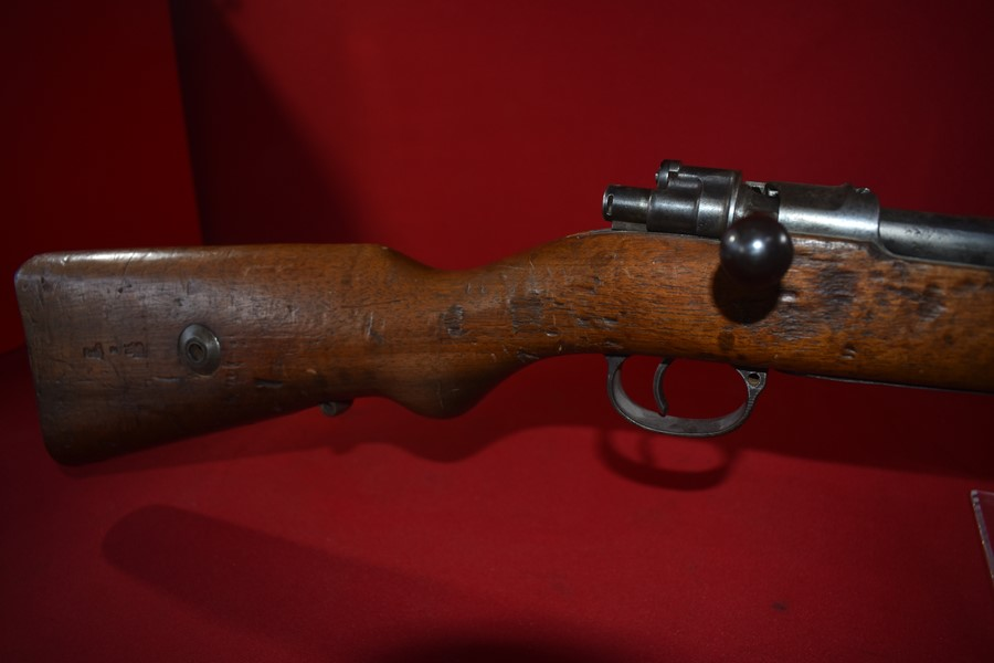 WW1 GERMAN DE-ACTIVATED G98 RIFLE DATED 1916.-SOLD