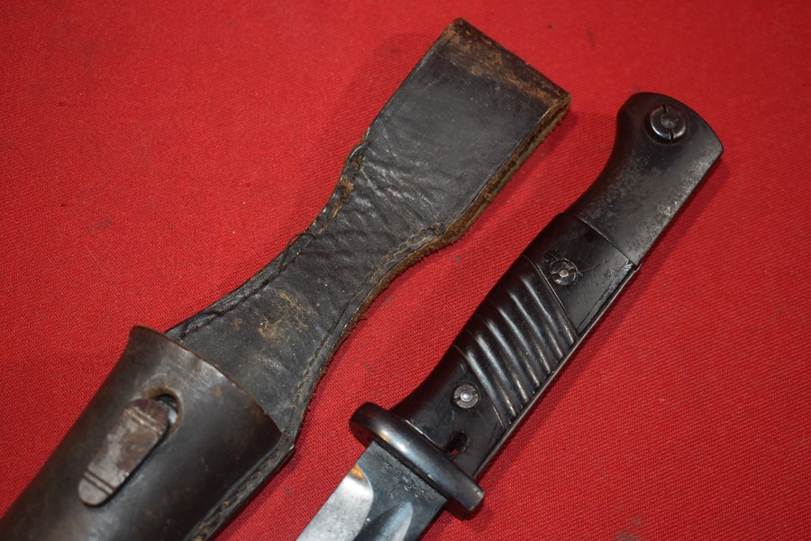 WW2 GERMAN K98 BAYONET AND FROG