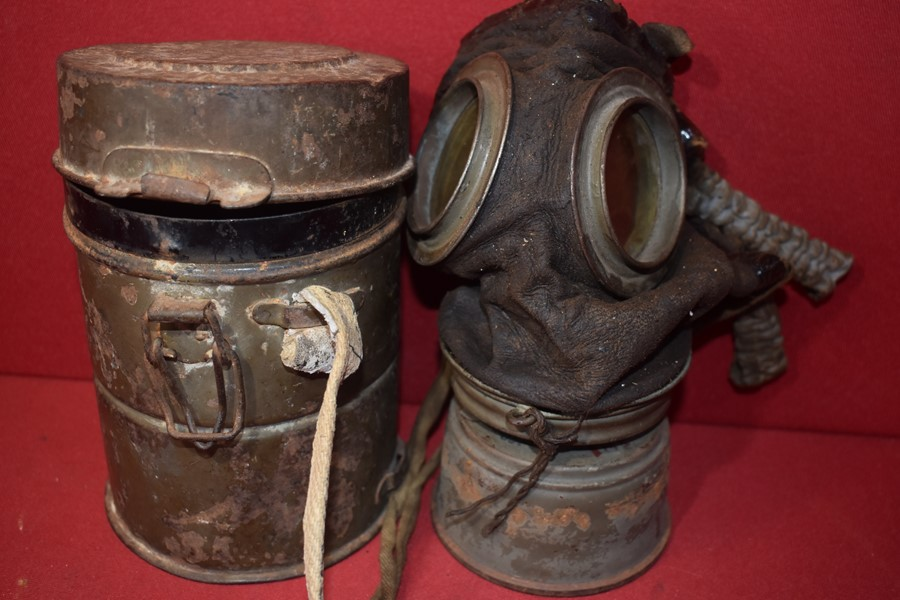WW1 GERMAN SOLDIERS GAS MASK AND TIN