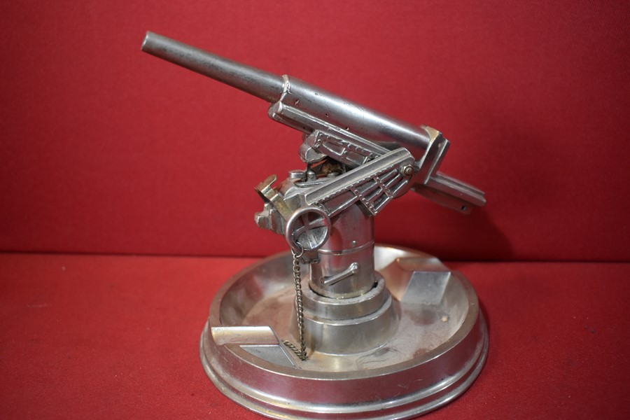 ANTI AIRCRAFT GUN LIGHTER AND ASHTRAY DESK PIECE