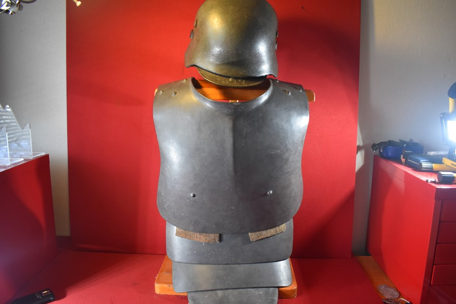 WW1 GERMAN TRENCH ARMOUR-COMPLETE SET-SOLD