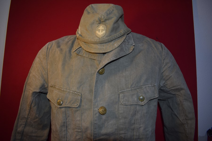 WW2 JAPANESE NAVAL SUMMER CAP AND TUNIC-SOLD