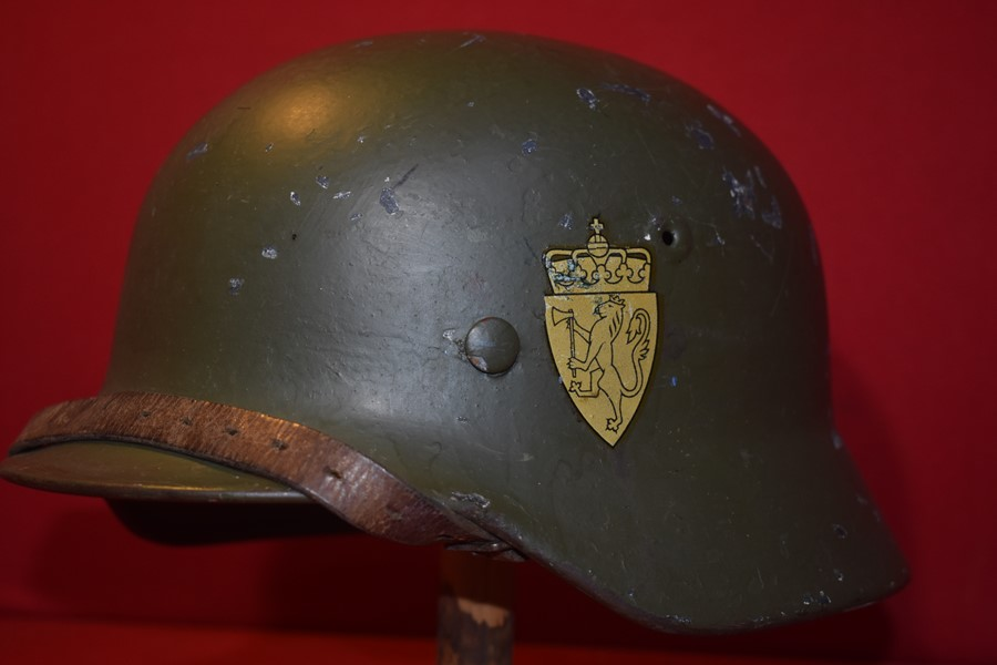 WW2 GERMAN M40 HELMET- NORWEIGAN RE-ISSUE
