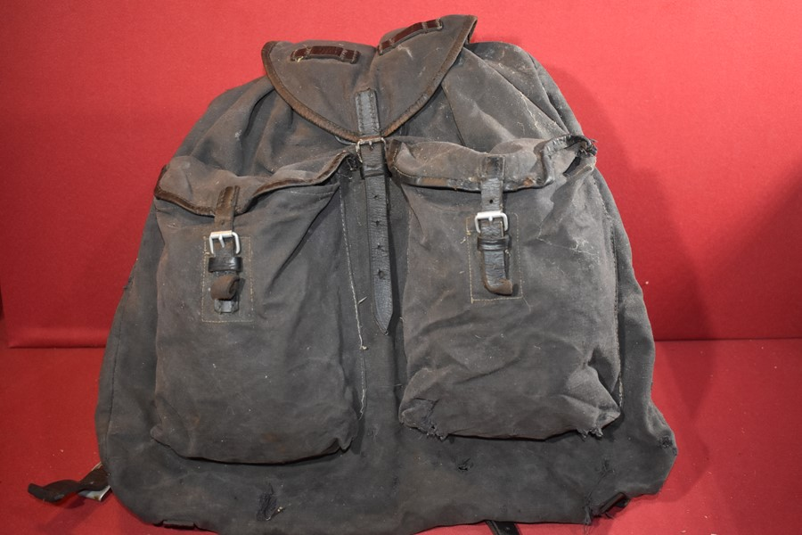 WW2 GERMAN LUFTWAFFE/PARATROOPERS BACK PACK-SOLD