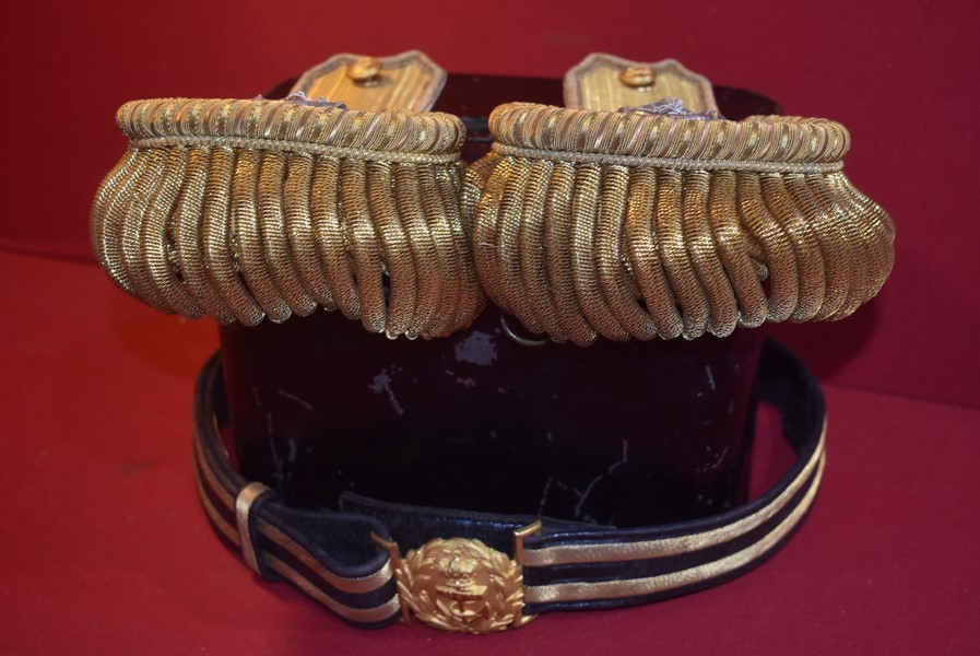WW1/2 ROYAL NAVY OFFICERS EPAULETTES AND DRESS BELT IN ORIGINAL LACQUER TIN-SOLD
