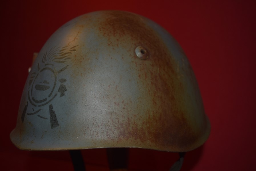 WW2 ITALIAN M33 ARMY HELMET (ARMOURED)