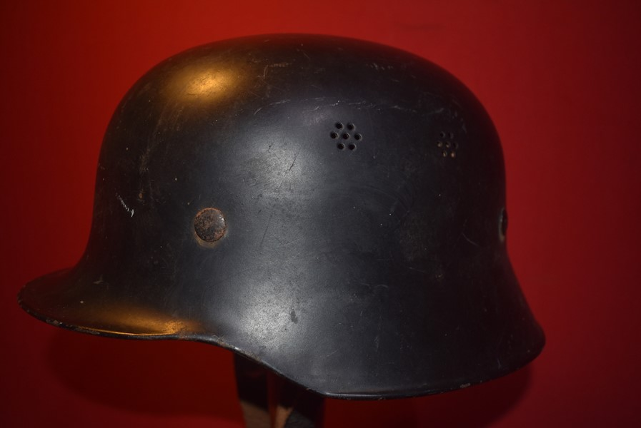 WW2 GERMAN M34 CIVIL HELMET.