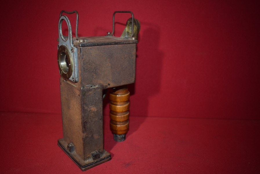 WW2 ADMIRALTY SIGNALLING LAMP W1020..1 INCH PORTABLE FOR BOATS 1943