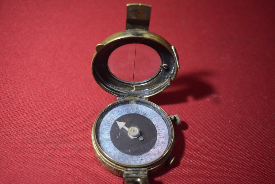 WW1 BRITISH/AUSTRALIAN BRASS POCKET COMPASS-SOLD