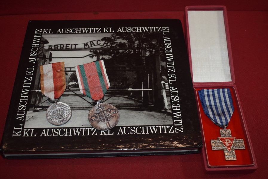 WW2 POLISH AUSCHWITZ SURVIVORS MEDAL AND ASSOCIATED ITEMS-SOLD