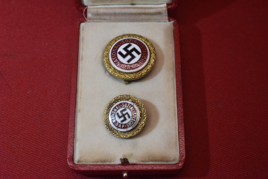 CASED PAIR OF WW2 GERMAN NSDAP GOLD PARTY BADGES MIS-MATCHED NUMBERS-SOLD