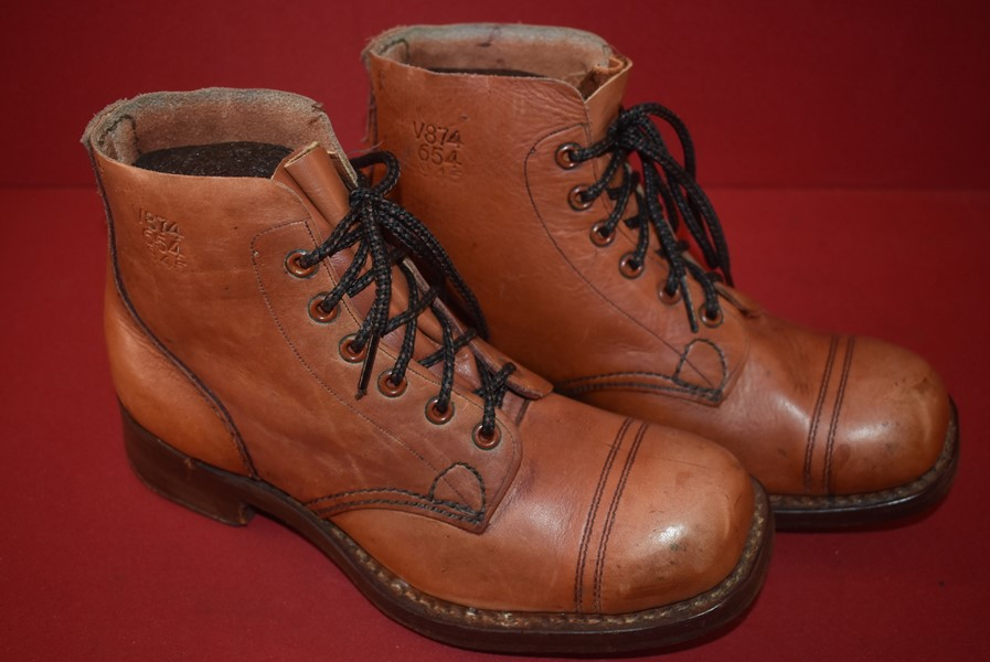 WW2 SOLDIERS BOOTS AUSTRALIAN ISSUED