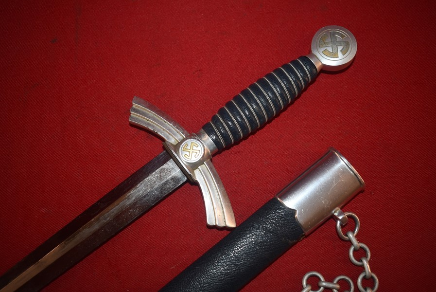 WW2 GERMAN FIRST PATTERN CHAINED LUFTWAFFE DAGGER BY SMF