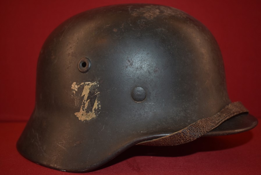 WW2 GERMAN SS M40 PARTIAL SINGLE DECAL HELMET.-SOLD