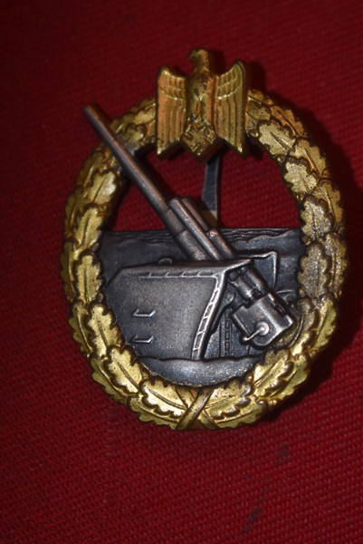 WW2 GERMAN NAVY COASTAL ARTILLERY BADGE BY SCHWERIN
