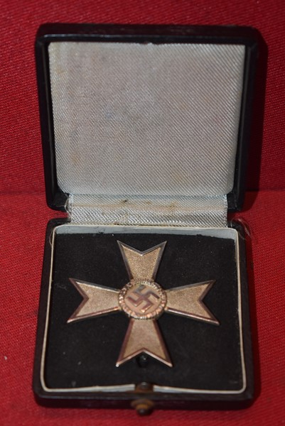 WW2 GERMAN WAR MERIT CROSS WITHOUT SWORDS 1ST CLASS (SILVER GRADE) WITH PRESENTATION CASE-ON HOLD