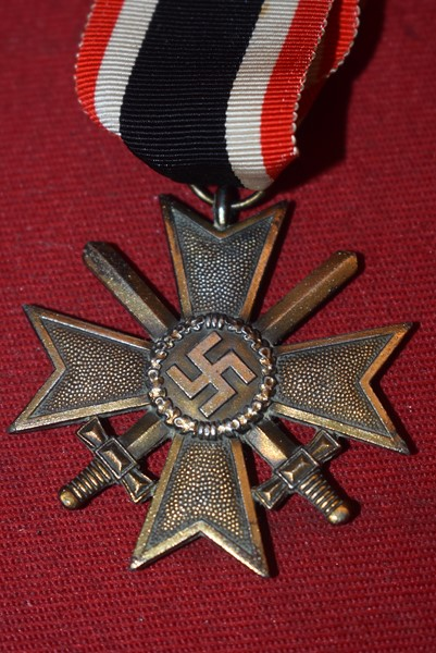 WW2 GERMAN WAR MERIT CROSS SECOND CLASS WITH SWORDS
