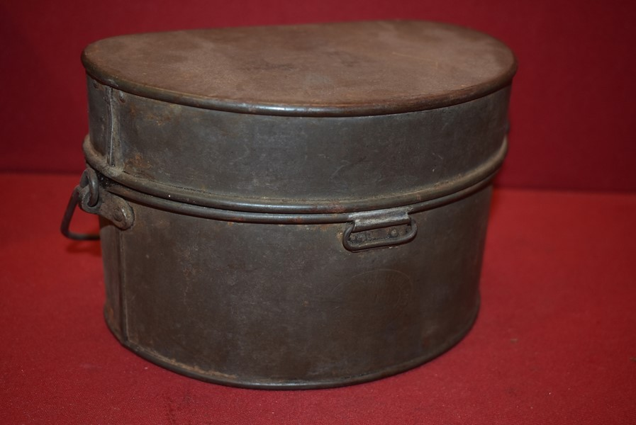 WW1 AUSTRALIAN ISSUED SOLDIERS D SHAPED MESS KIT DATED 1917