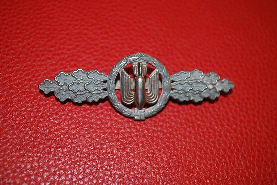 WW2 LUFTWAFFE BOMBER CLASP-SOLD