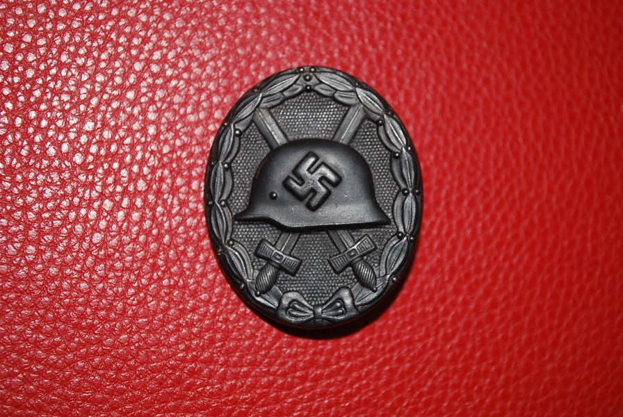 WW2 GERMAN WOUND BADGE IN BLACK-SOLD