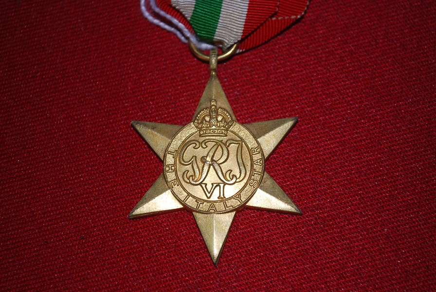 WW2 ITALY STAR-SOLD