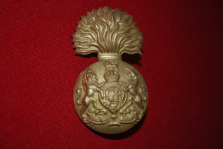 ROYAL ARTILLERY BUSBY BADGE