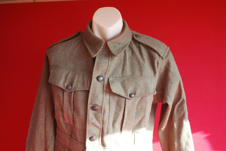 WW2 AUSTRALIAN SOLDIERS TUNIC-SOLD