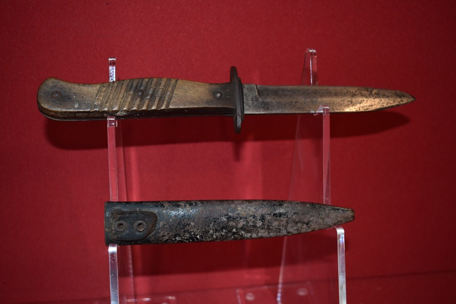 WW1 GERMAN TRENCH KNIFE-SOLD