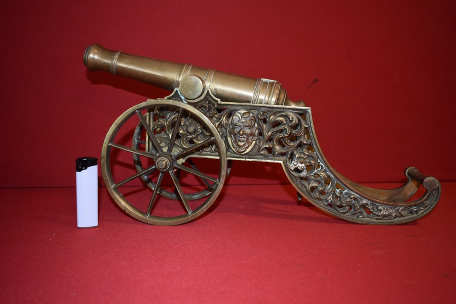 BRASS DESK TOP ARTILLERY CANNON-SOLD