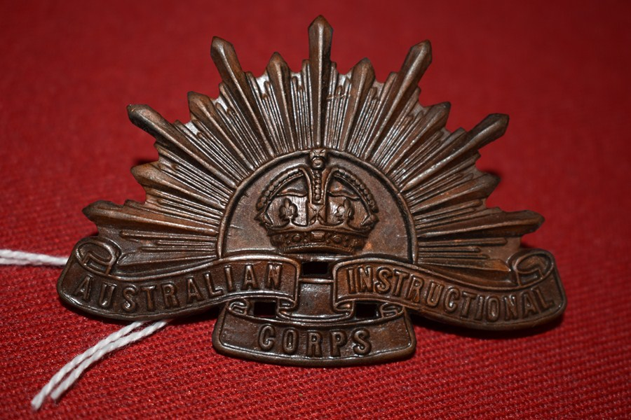 AUSTRALIAN ARMY HAT BADGE INSTRUCTIONAL CORPS RISING SUN. 30-42-SOLD