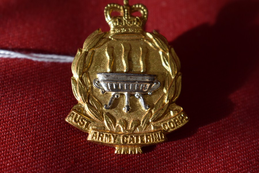 AUSTRALIAN ARMY HAT BADGE. CATERING CORPS. 53-60