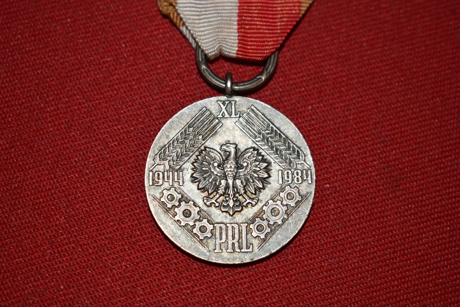 POLISH PEOPLES MEDAL