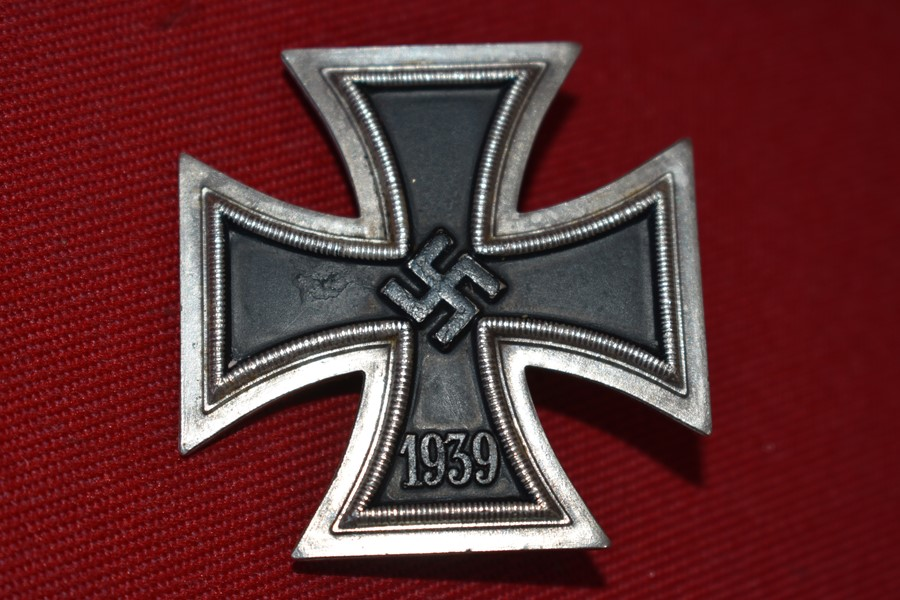 GERMAN WW2 IRON CROSS 1ST CLASS MAKER MARKED 113-SOLD